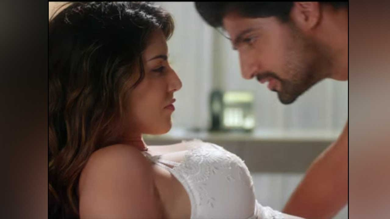 One Night Stand Movie Review Only For Fans Of Sunny Leone -8363