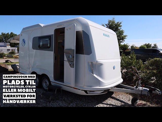 Campingvogn med plads til motorcykler, cykler eller mobilt værksted for håndværker