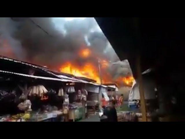 Detik-Detik Kebakaran Pasar Gedebage Bandung
