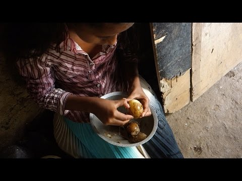Potato sambal // Sri Lankan recipe filmed in a village house made of mud // Ala sambal