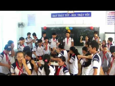 Sinh nhật cô Vân Anh [9D2-THCS Nguyễn Nghiêm 2008-2012]