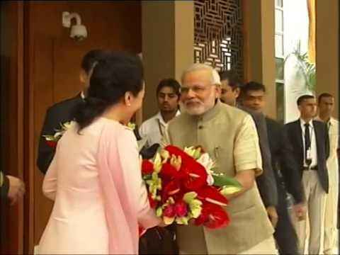 PM Narendra Modi welcomes Chinese President Xi Jinping at Hotel Hyatt | PMO