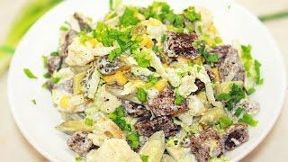 Салат из пекинской капусты, с кукурузой и сухариками