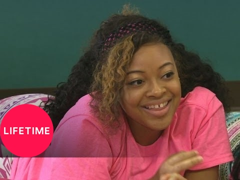 Bring It! Dollhouse Downtime: Sunjai, Star, and Skye | Lifetime