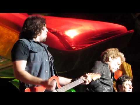 Bon Jovi - YOU SHOOK ME ALL NIGHT LONG - PHIL X - Sydney, Australia - 12-14-2013