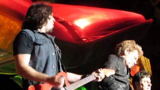 Bon Jovi - YOU SHOOK ME ALL NIGHT LONG - PHIL X - Sydney, Australia - 12-14-2013