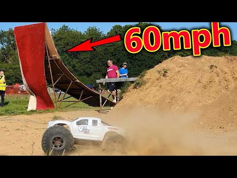 **1hr-special**-world's-most-extreme-rc-car-bashing-event