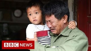 Essex lorry deaths: Agony builds for Vietnamese families - BBC News