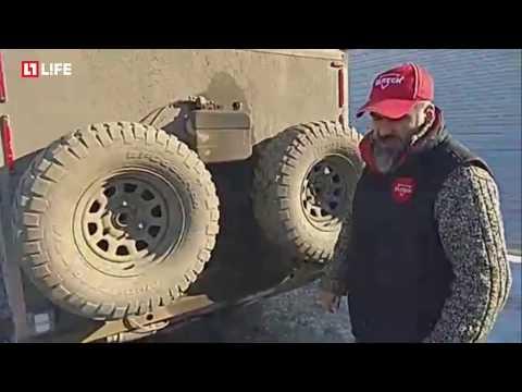 Он колесит по России с прицепом-автодомом, который сделал сам