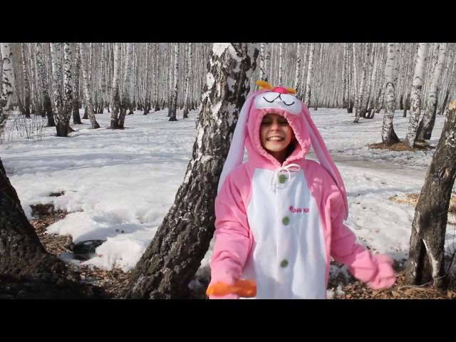 Изображение предпросмотра прочтения – НаталияЕрушина читает произведение «Весенние воды (Еще вполях белеет снег…)» Ф.И.Тютчева