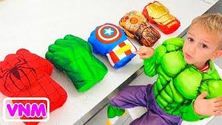Vlad chọn găng tay siêu nhân