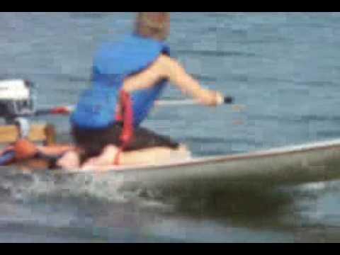 Planche Motorisee Sea Flea Envinrude 2 Hp Youtube