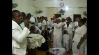 Coro de fuego en la iglesia Salvacion y Liberacion central. andres bocachica