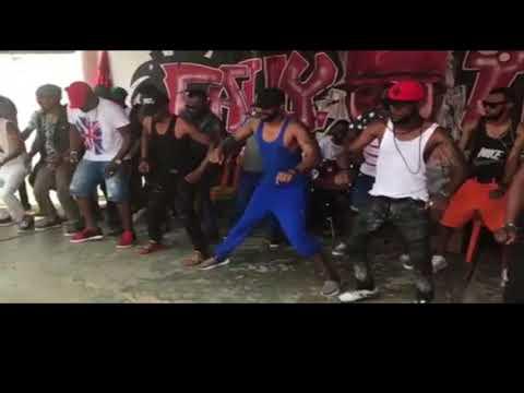 Fally Ipupa- Nouvelle dance de Fally Ipupa qui vas vous faire rire ( Mieux que Eloko Oyo)