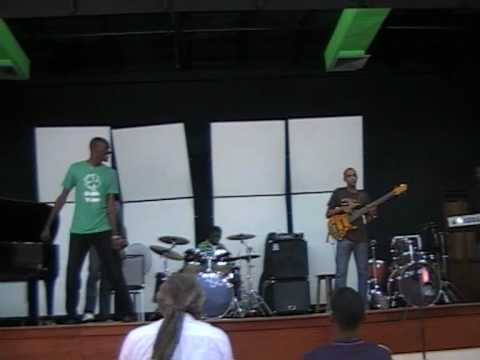 Sunday Morning (Cover) - Edna Manley College (with Bass Solo)