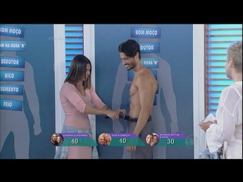 Conrado, Maurício Mattar e Scherer encaram striptease dos genros no palco