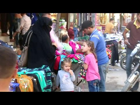 أخبار حصرية | انتعاش وازدحام أسواق في سوريا قبيل #عيد_الفطر  - نشر قبل 4 ساعة