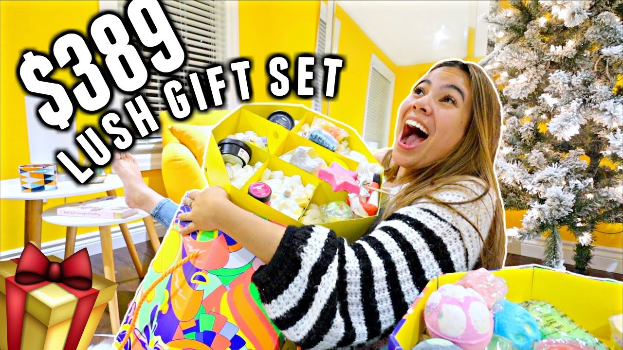 59868c9d344397 $389 LUSH'S LARGEST HOLIDAY GIFT SET!!! Is it worth it?   Vlogmas Day 5
