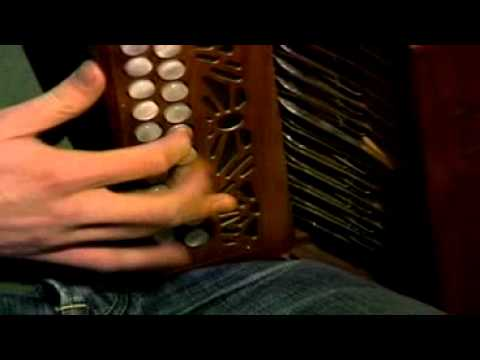 ♫ ♪ ♫ Irish Traditional Music ♪ ♫ ♪ ~ Damien Mullane on the Button Accordion
