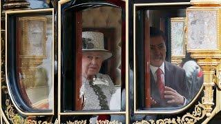 Video Enrique Peña Nieto hace el ridículo La Reina Isabel II no le da la mano ● Londres 2015 download MP3, 3GP, MP4, WEBM, AVI, FLV November 2017