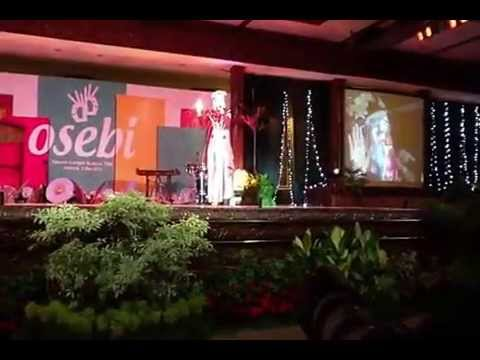 Aldhita Rizky - Usah Kau Lara Sendiri ( GOLD MEDAL OSEBI 2013 - TMII )