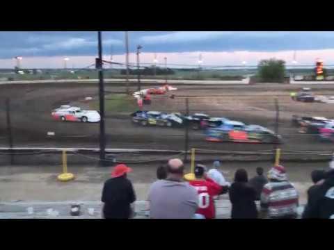 Sycamore Speedway latemodel (heat race #1) 6-25-17