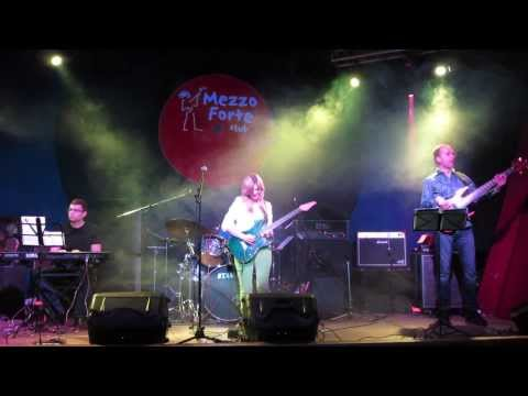 Polina Sedova - Up in Beachwood (by Frank Gambale) Guitar Player Party 2014