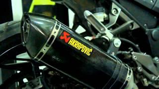 Memasang Knalpot Akrapovic ke Kawasaki Z250 di DuniaMotor.com