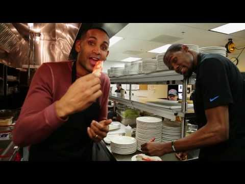 Kevin Durant and Grant Hill Get Cooking on Inside Stuff