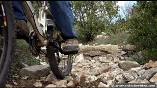 Ardèche - VTT dans les gorges de la Baume (Labeaume) (4K)
