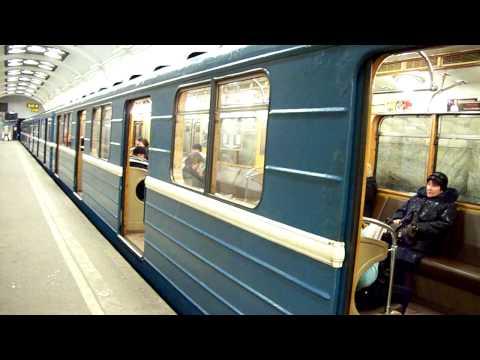 Элеткровагон типа Е на станции Кировский завод