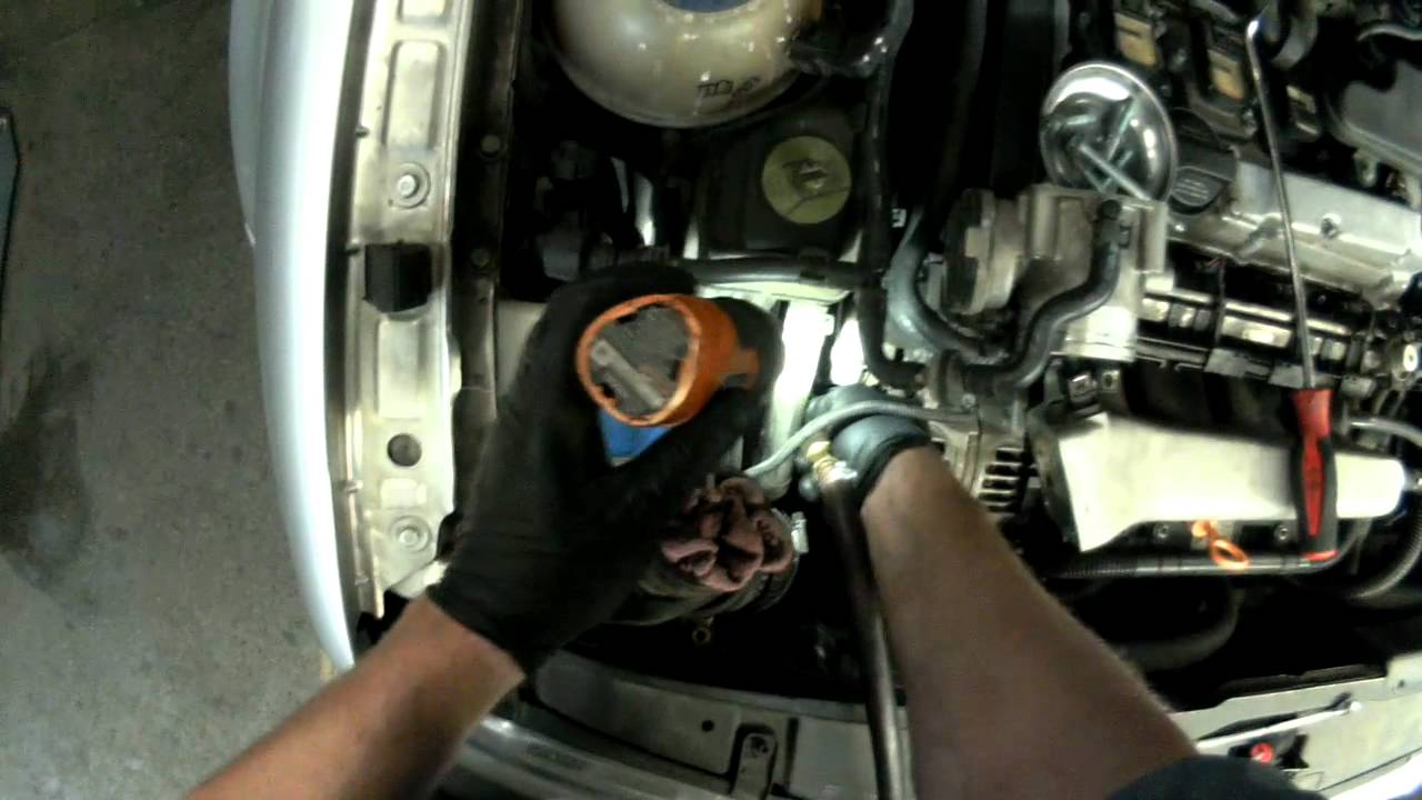 maxresdefault vw a4 jetta 1 8t alternator removal youtube 2000 VW Beetle Alternator Wiring Harness at readyjetset.co