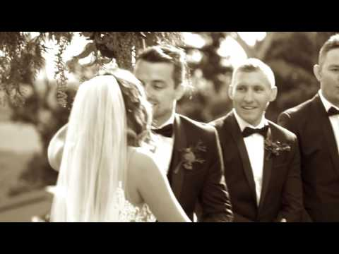Celebrant Lady Love - Annie Molenaar - Gold Coast, Byron Bay + Brisbane Wedding Celebrant