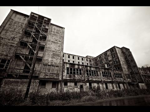 Alaska Ep. 14 Exploring Abandoned Army Building!