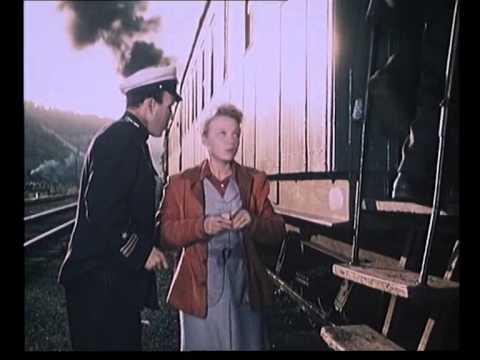 Поезд идет на