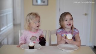 Sisters have adorable reaction to learning gender of new sibling