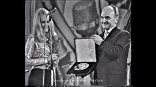 Helena Vondráčková - Zlatá deska Supraphonu 1968 (Růže kvetou dál, Jdi o dům dál, Přítel Quinn)