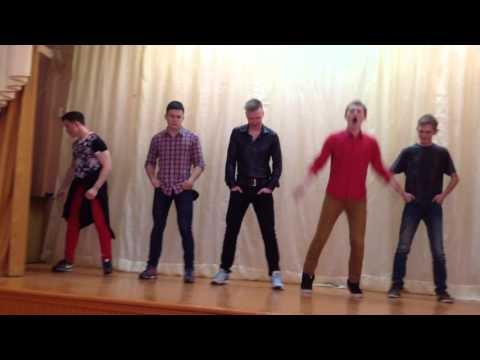 видео: Как парни танцуют в клубах