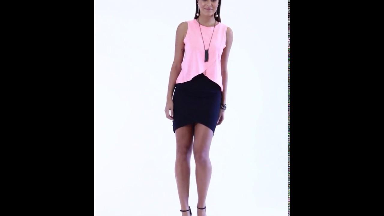 1c48d2ccb2 Blusa com transpasse rosa neon e Saia assimétrica preta - Quintess ...
