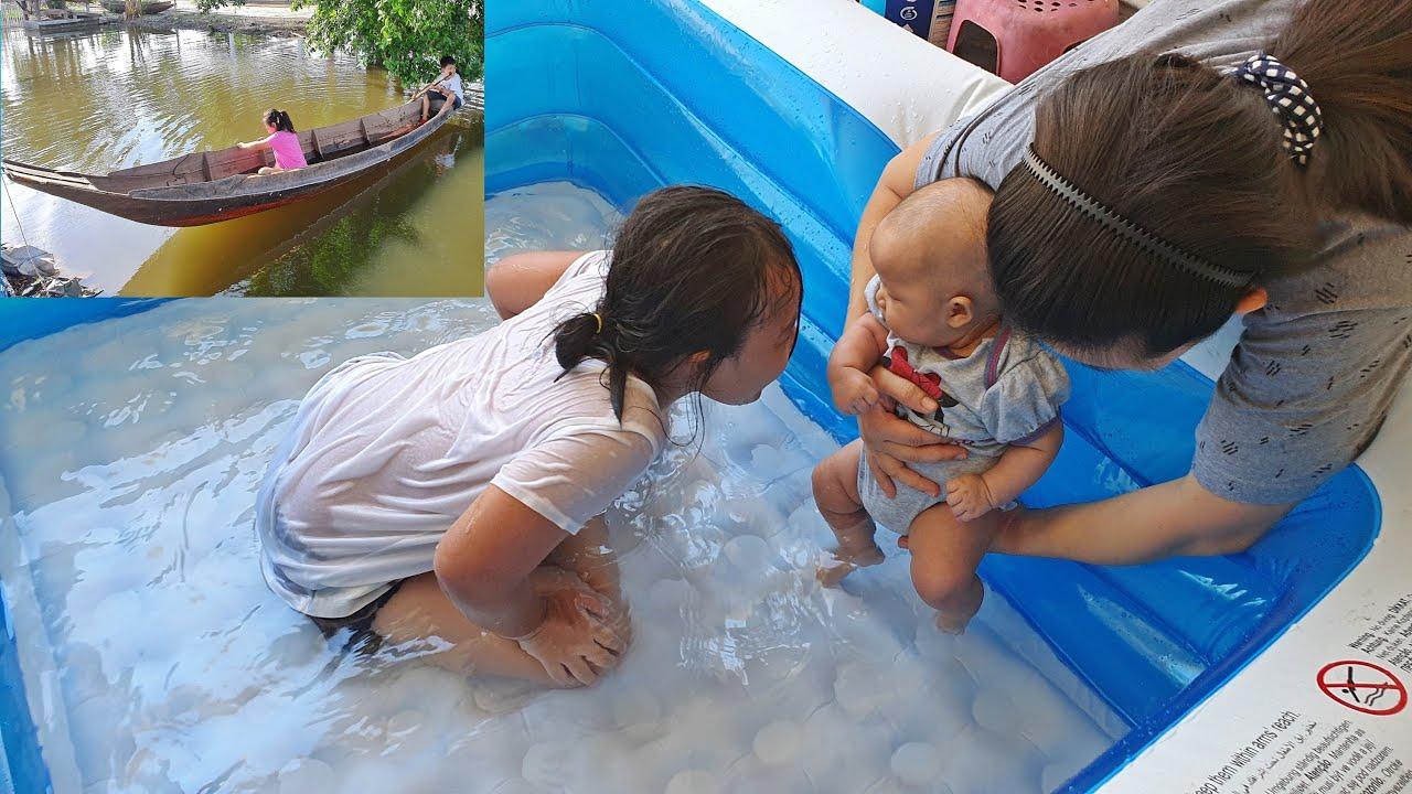 พาลูกสาวเล่นน้ำ สระน้ำเป่าลม แพงขวัญอายุได้ 2 เดือน  สาวจ่อยพายเรือกับผู้บ่าวคุณ