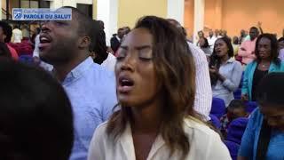 Instant d'adoration a la parole du salut avec la soeur Esther Gladys