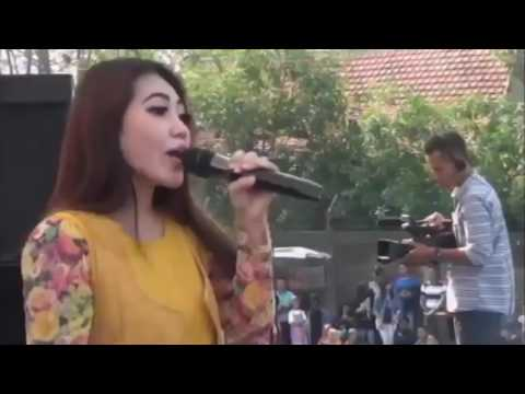 Layang Kangen cover By Via Vallen
