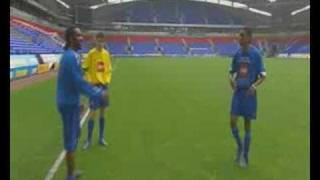 Jay Jay Okocha - Reverse Flick Over/ Ossie Flick