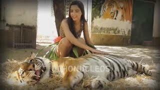 Repeat youtube video Katy Perry - ROAR clip 15 años (Version OchoNucleos)