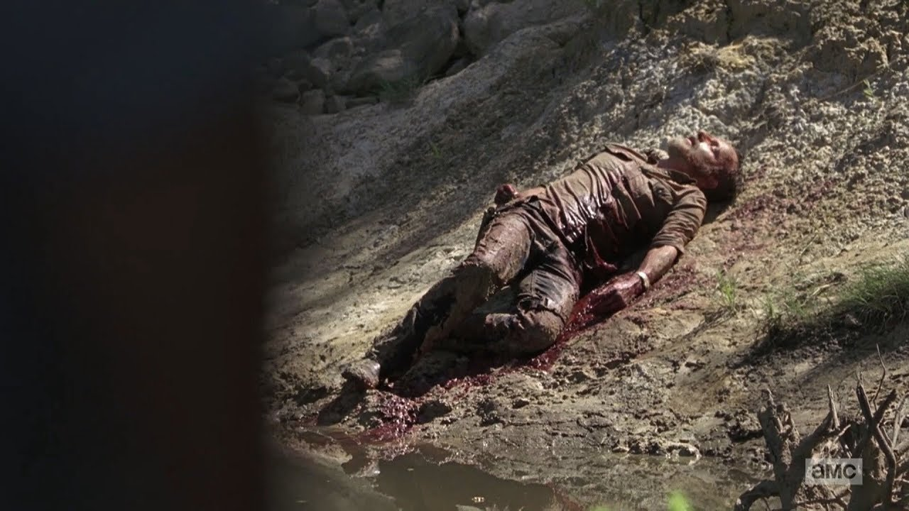 Download The Walking Dead 9x05 - Rick is Taken Away by Helicopter