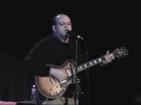 Franklin Bruno sings