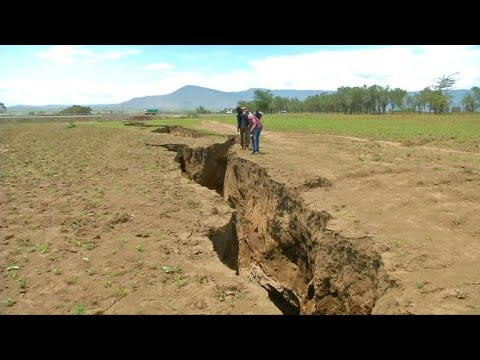 Scientists at odds over Kenya's massive crack
