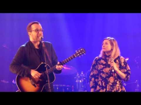 Luc de Larochellière & Andrea Lindsay - (Live @ Montréal)
