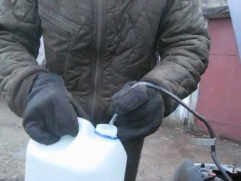 как слить воду из бочка омывателя киа рио