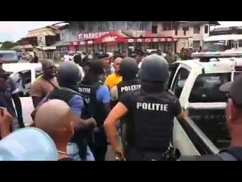 Rovers aangehouden aan de Coesewijnestraat in Suriname